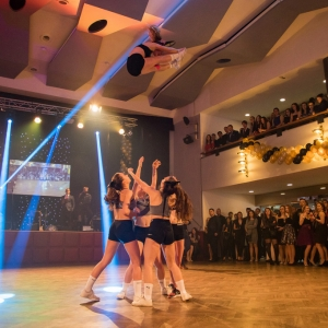 cheerleading_maturitní ples obchodní akademie_akrobacie2