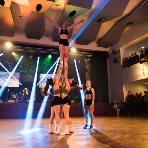 cheerleading_maturitní ples obchodní akademie_akrobacie3